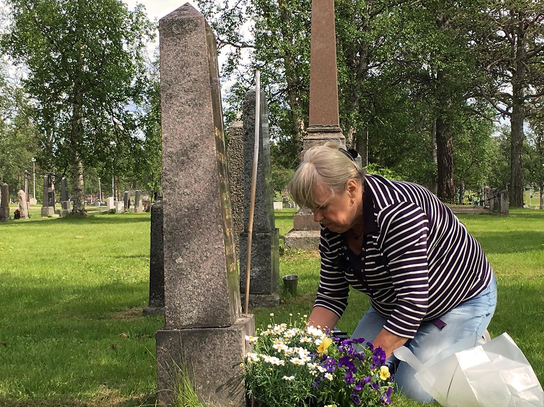 Vid graven